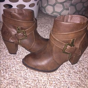 Dirty laundry brown leather ankle booties